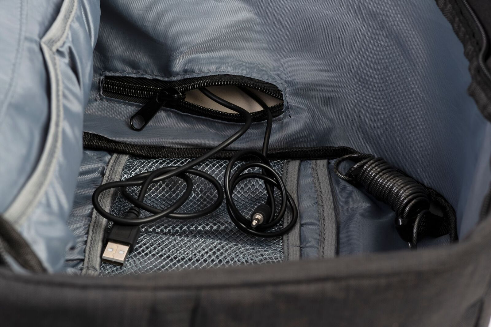 close view presentation photo of snug anti theft backpack usb function